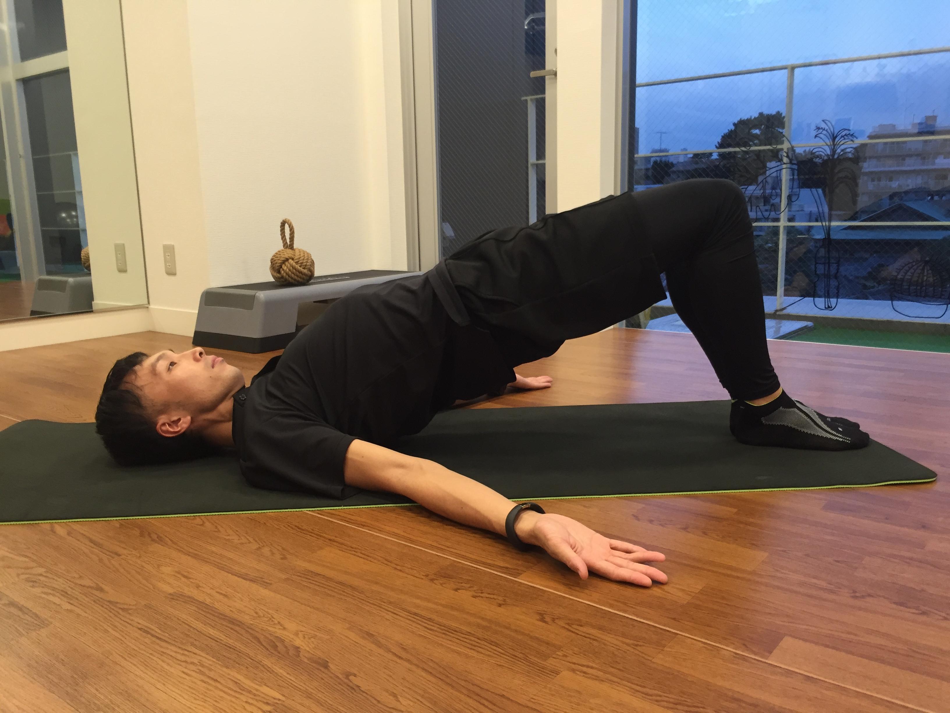 美脚 おしゃれの秋 パンツの似合う足 簡単トレーニング